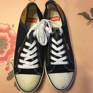 EUC Levi i's navy lace up sneakers 👟